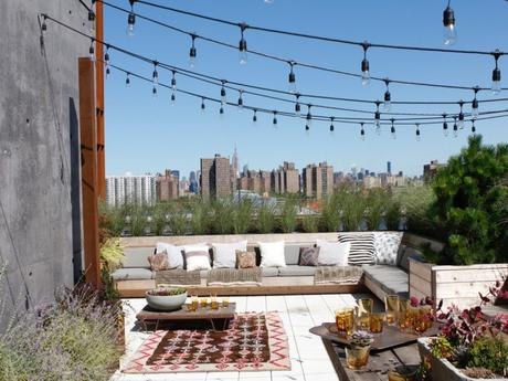 the-terraces-wrap-around-the-penthouse-and-offer-fantastic-views-of-the-surrounding-east-river-and-manhattan-bridge-in-addition-to-fantastic-city-views
