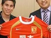 Guangzhou firma argentino Darío Conca