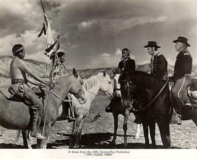 ENTRE DOS JURAMENTOS (The flags west) (USA, 1950) Western