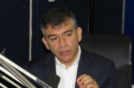 ¿Es Julio Guzmán racista?