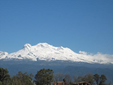 Faldas Del Volcan Iztaccihuatl