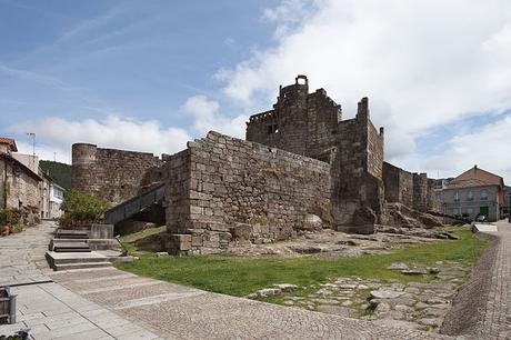 turismo de cercanía en Orense, castillo de Ribadavia