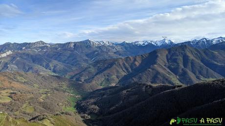 Vista desde el Alto de la Tejera hacia el Puerto de San Isidro