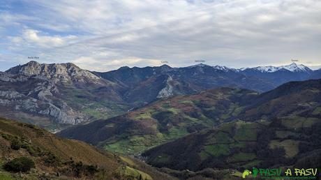 Vista desde el Mirador de Coto Bello sobre Peña Mea y Pico Torres