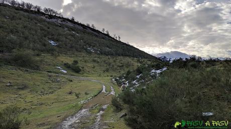 De camino al Alto de la Tejera desde Coto Bello