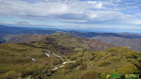 Vista desde el Alto de la Tejera hacia el Mirador de Coto Bello