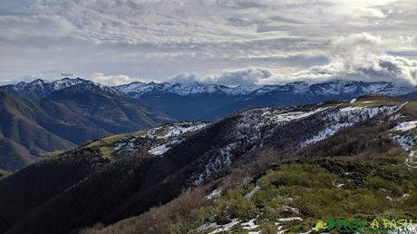Vista desde el Alto de la Tejera hacia el Puerto de Vegarada