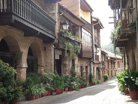 turismo de cercanía en Cantabria, calle de Cartes