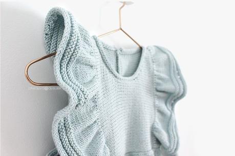 Cómo tejer el vestido de punto para niña y bebé SEASIDE - Patrón y Tuorial Paso a Paso- Vestido colgado de percha
