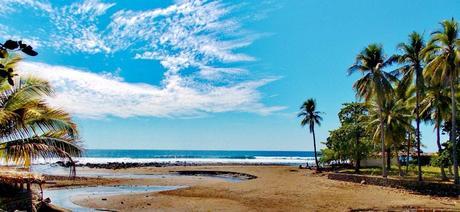 Playa el zonte, un ambiente bohemio con buena vista