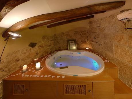 TOP GRAN SELECCIÓN: 10 Suites con Jacuzzi deluxe…¿Relax o Romanticismo?