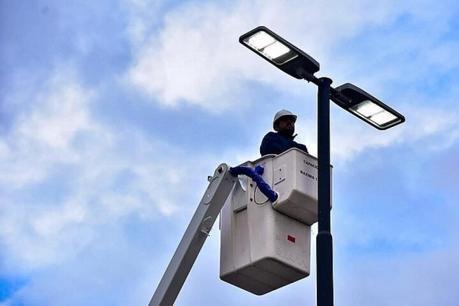 Genera sospechas cambio de luminaria en la Zona Industrial por la SEDUVOP