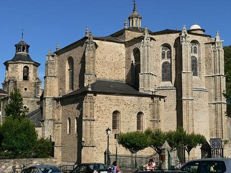 turismo de cercanía en León, fachada de Villafranca del Bierzo