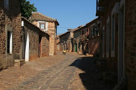 turismo de cercanía en León, calles de Castrillo de los Polvazares