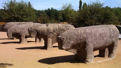 turismo de cercanía en Ávila, toros de guisando en Tiemblo