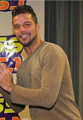 Malinterpretan palabras de Ricky Martin, dicen que comparó a la Virgen María con un vientre en alquiler