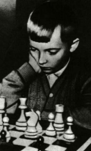 Tolik Kárpov en Primera División con sólo diez años
