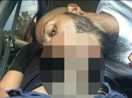 #Venezuela: #Caracas: La foto comprometedora con otro hombre de este jugador de los Cocodrilos de Caracas (@Cocodrilosbbc) (FOTO)