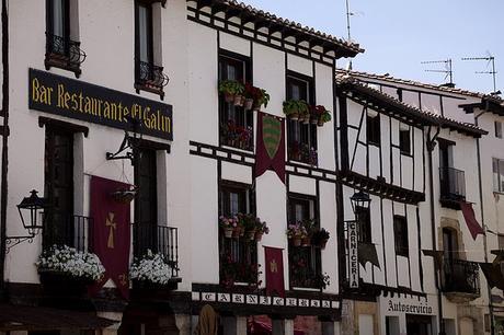 turismo de cercanía en Burgos, fachadas de Covarrubias