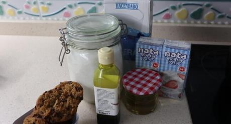 Los ingredientes para hacer helado de Cookies casero