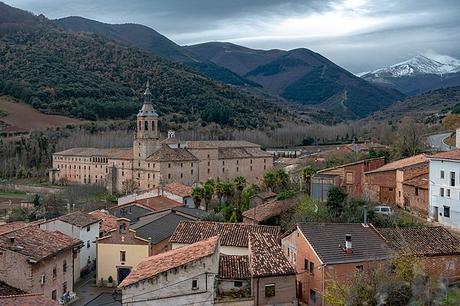 turismo de cercanía en La Rioja, vistas de San Millán de la cogolla