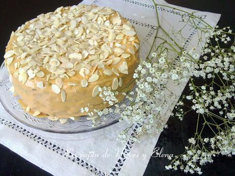 Tarta de chocolate y caramelo crujiente con buttecream de dulce de leche