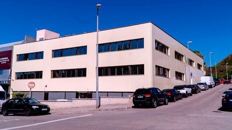 Enrique Tomás inaugura nueva sede en Badalona