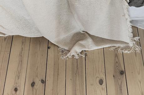 textiles naturales sand color interiors natural style natural interiors muebles de madera natural mimbre madera clara light wood furniture estilo natural design furniture colores arena decoración