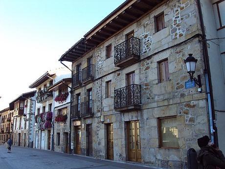 turismo de cercanía en Vizcaya, fachadas de Otxandio