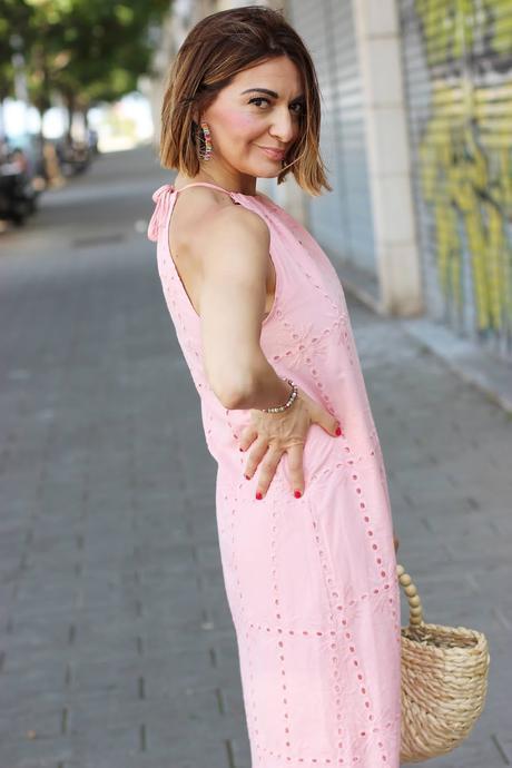 Vestido de encaje rosa
