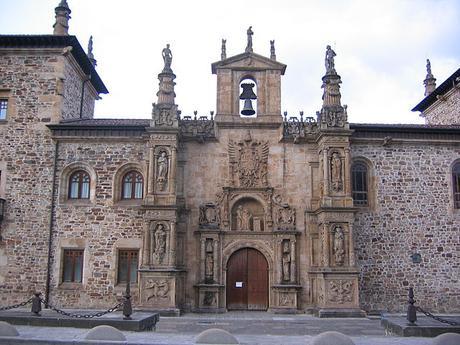 turismo de cercanía en Guipúzcoa, fachada de Oñati