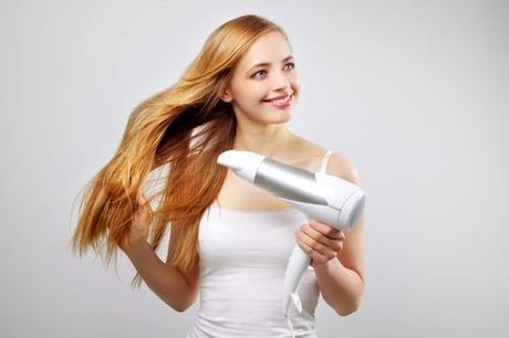 Cómo secar el pelo con secador. Consejos