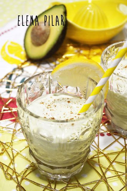 Smoothie de aguacate y leche condensada