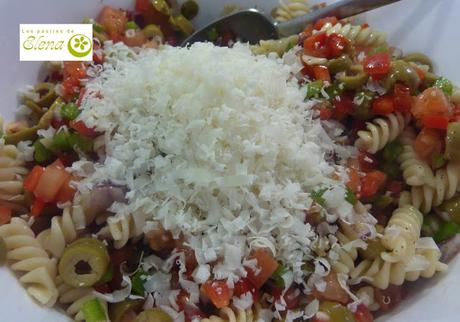 Ensalada de pasta californiana con aliño italiano