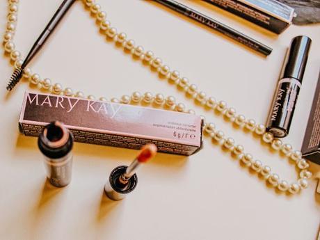 Guía esencial para tus cejas con Mary Kay