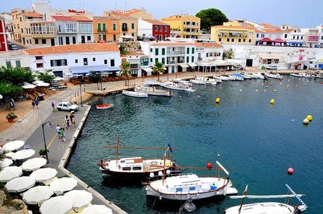 turismo de cercanía en Baleares, puerto de Es Castell