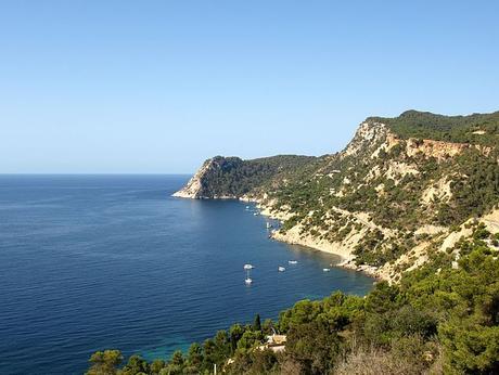 turismo de cercanía en Baleares, costa de Es Cubells