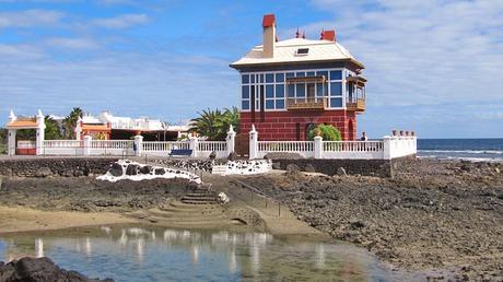 turismo de cercanía en Las Palmas, costa de Arrieta, en la isla de Lanzarote