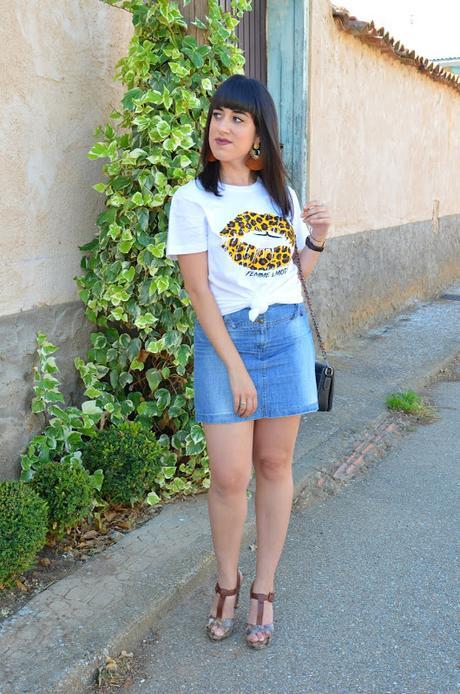 Camiseta de labios de leopardo de Femme Luxe