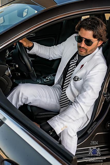Traje de novio cruzado blanco de puro lino corte italiano moderno slimfit