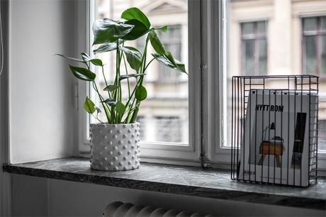 tiny studio decor studio interiors studio decor scandinavian studio scandinavian decor scandi small apartment scandi flat estudio sueco decoración decoración pisos pequeños decoración estudios cocina pequeña cocina nórdica cocina abierta