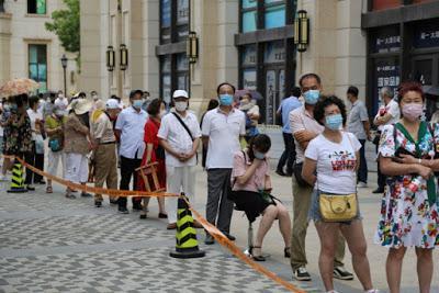 China registra récord de casos en tres meses y América Latina es la región más golpeada por el coronavirus