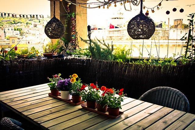 La terraza de jordi concurso terrazas patios y balcones for Patios y terrazas