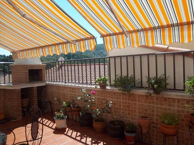 La terraza de nati concurso terrazas patios y balcones for Patios y terrazas