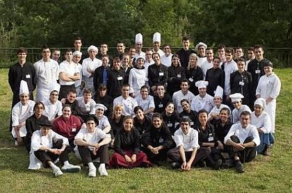 En la pasada edición del VII Concurso de Jóvenes Cocineros y Camareros de Cataluña donde participaron 60 alumnos, de entre 17 y 29 años, de quince centros