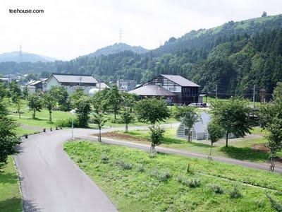 Casa moderna japonesa quebrada paperblog for Casa moderna japonesa