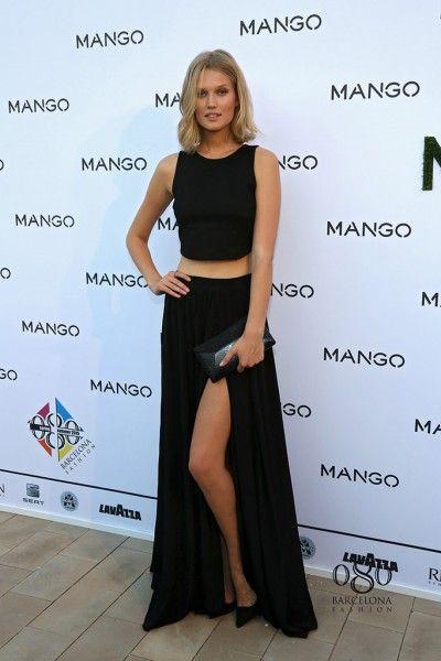 Falda Larga Con Crop Top Elegante