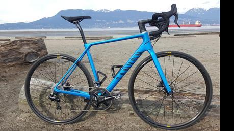 Bicicleta Canyon Endurance CF SL Disc 8.0 aero Di2 comodidad y aerodinámica