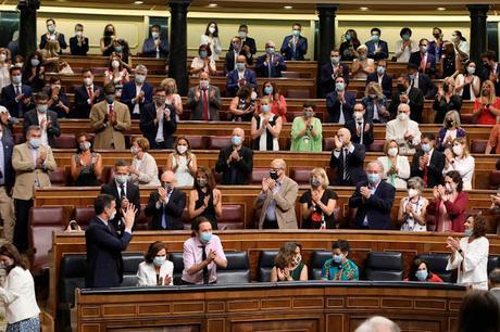 Si el PSOE no respeta la limitación de aforo en el Congreso, ¿lo tengo que hacer yo en mi casa?