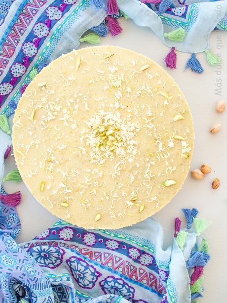 Cheesecake de chocolate blanco y pistachos sin horno